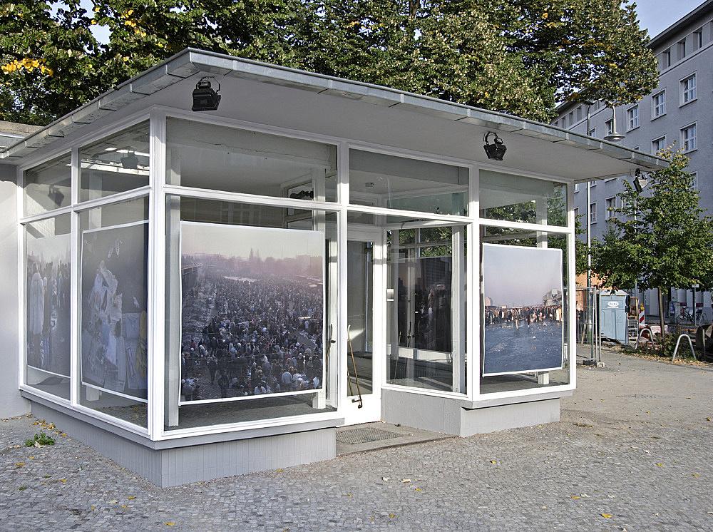 """Wolfgang Tillmans – """"Markt"""" installation view Galerie Meerrettich im Glaspavillon an der Volksbühne Rosa-Luxemburg-Platz, Berlin 2005"""