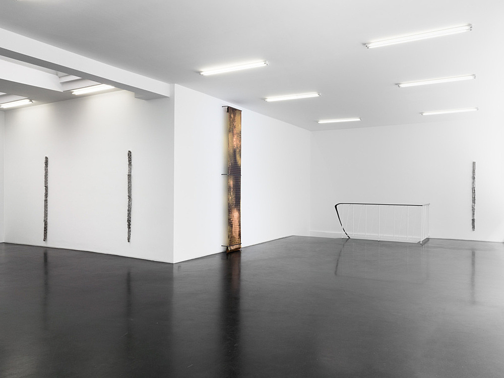 "Sam Lewitt – ""International Corrosion Fatigue"" installation view Galerie Buchholz, Köln 2013"