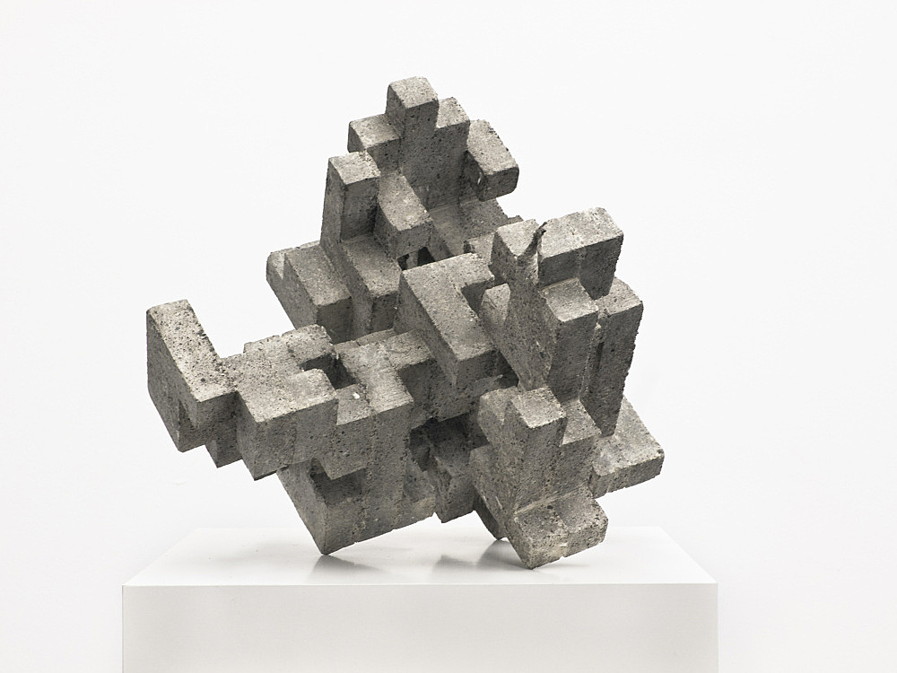 "Cheyney Thompson – ""Broken Volume (3,68 L)"", 2013 concrete, epoxy 30 x 37 x 34 cm"