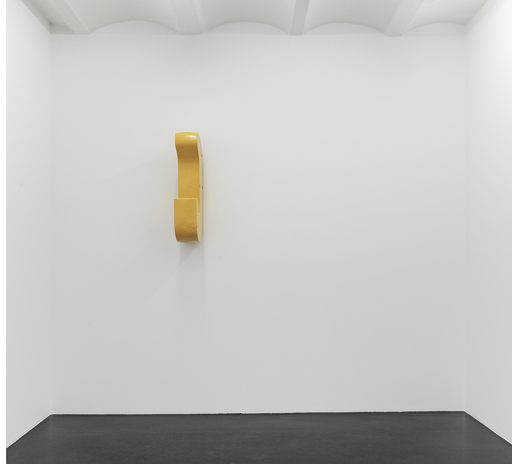 """Nairy Baghramian – """"Mooring IV (hanging)"""", 2012 casted painted aluminium 100 x 50 x 20,5 cm"""