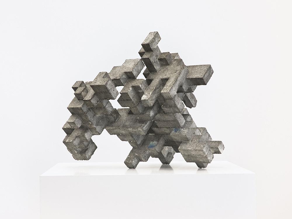 "Cheyney Thompson – ""Broken Volume (5,24 L)"", 2013 concrete, epoxy 29 x 46 x 38 cm"