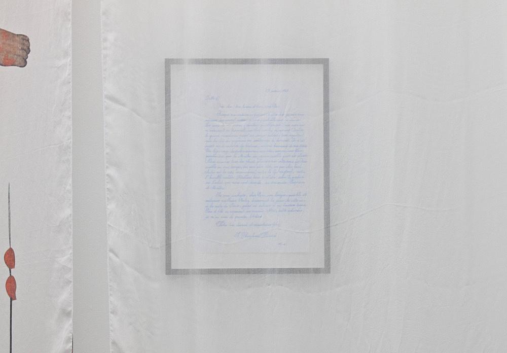 """Danh Vo – """"L'artiste et le décorateur"""" installation view Galerie Daniel Buchholz, Köln 2010"""