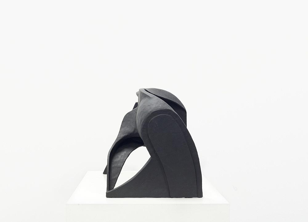 Vincent Fecteau – Untitled, 2006 papier-mâche 50 x 78 x 40 cm