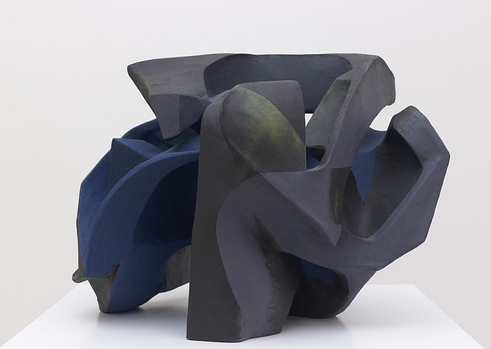 Vincent Fecteau – Untitled, 2012 papier-mâché, acrylic paint 65 x 90 x 87 cm