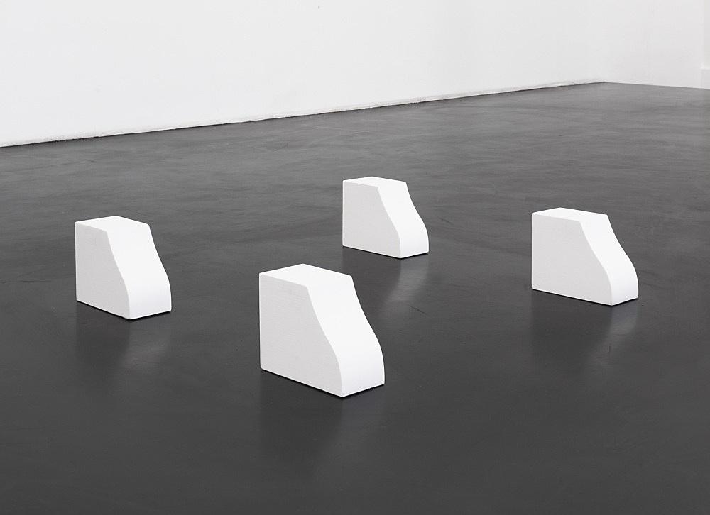 Cosima von Bonin – SONNE MÜNCHEN, 1994 4 parts, wood, lacquer each 16 x 10 x 20 cm