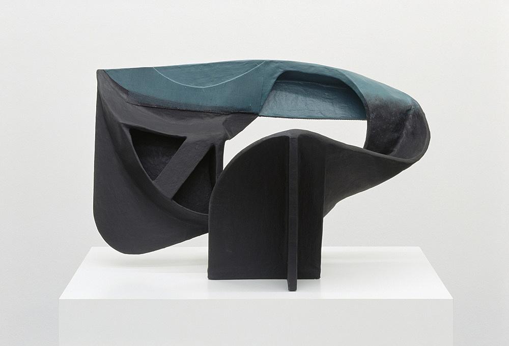 Vincent Fecteau – Untitled, 2006 papier-mâche 46 x 74 x 40 cm