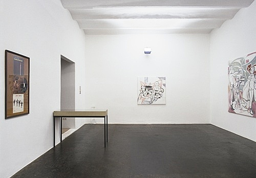 "Lucy McKenzie – ""Global Joy"" installation view Galerie Daniel Buchholz, Köln 2001"