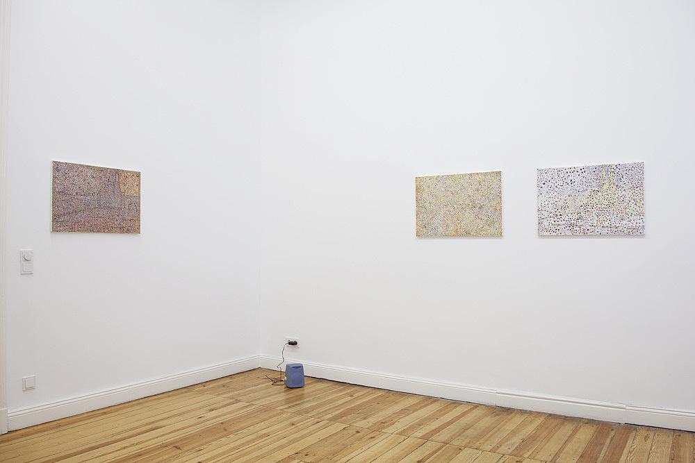 Reena Spaulings – installation view Galerie Daniel Buchholz, Berlin 2010