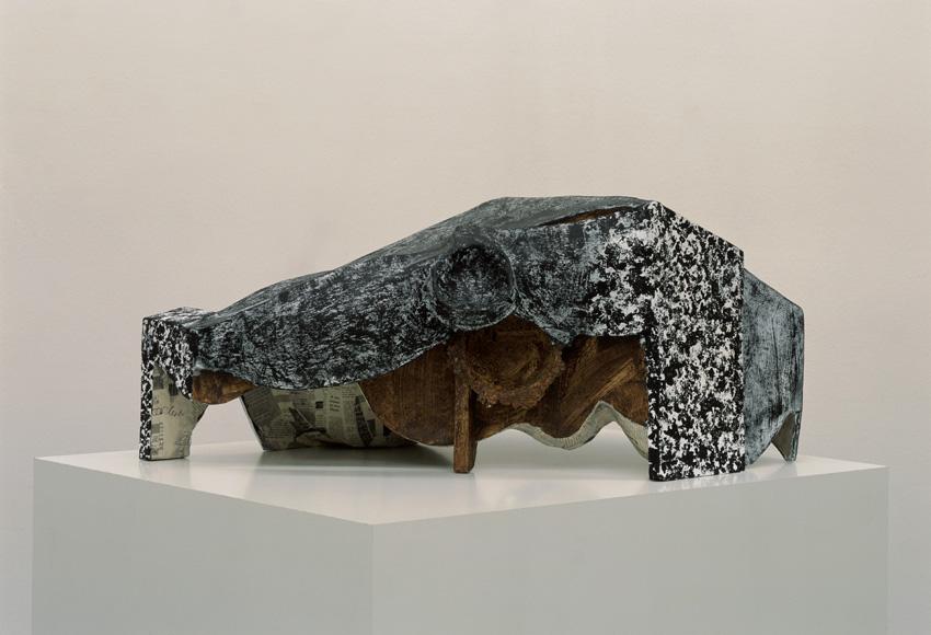Vincent Fecteau – Untitled, 2006 paper-maché 35 x 78 x 56 cm