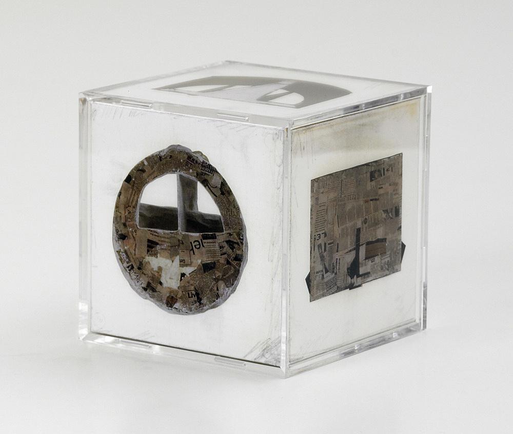 Vincent Fecteau – Untitled Multiple (Bottom), 2004 iris digital print, perspex, cardboard 11 x 11 x 11 cm