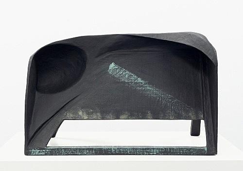 Vincent Fecteau – Untitled, 2006 papier-mâché 50 x 78 x 40 cm