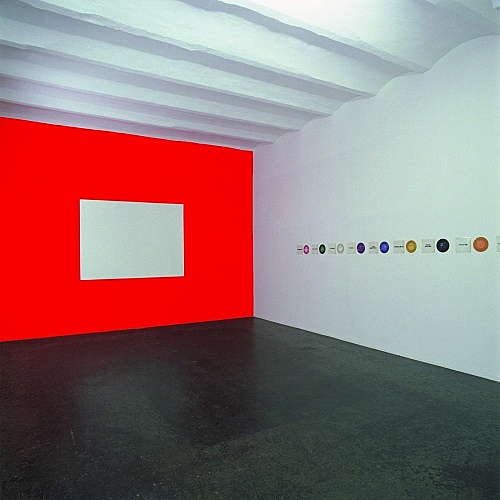"""Jack Goldstein – """"Films, Records and Paintings 1974-1982"""" installation view Galerie Buchholz, Köln 2004"""