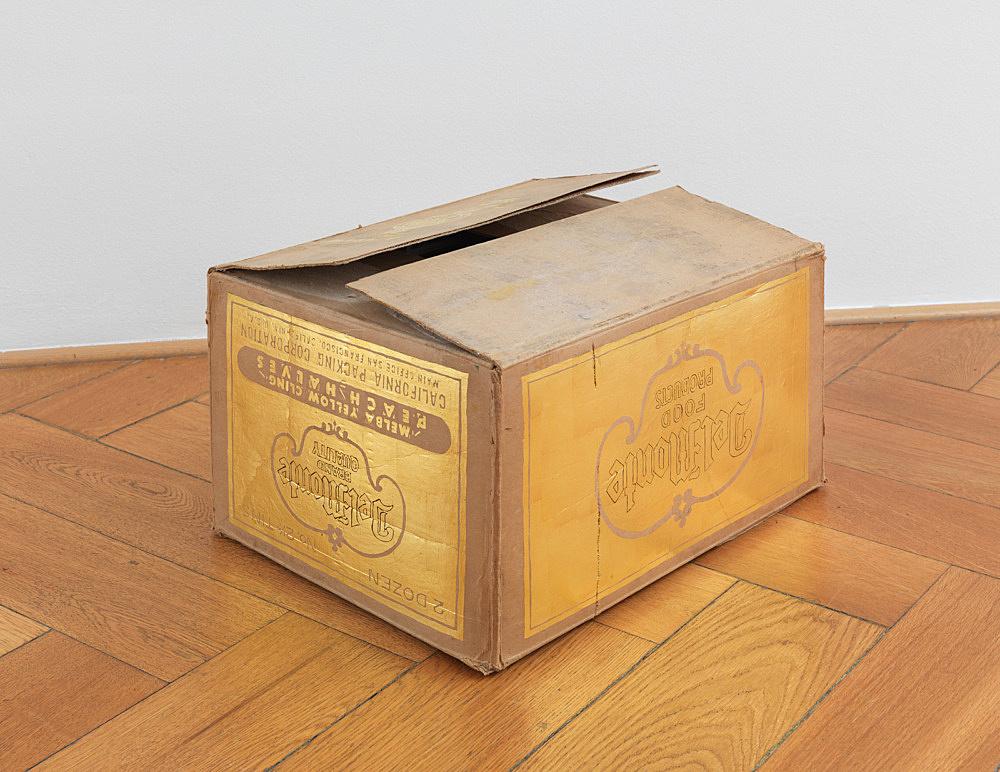 "Danh Vo – ""Del Monte"", 2012 gold leaf on cardboard 56 x 145 cm"