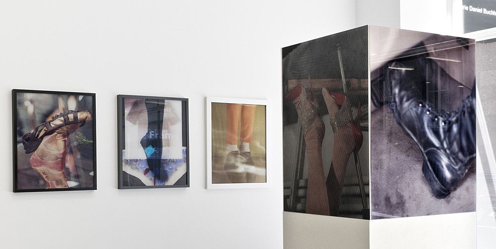 K8 Hardy – Untitled, 2012 c-prints fac-mounted on plexiglas, plinth c-prints each 50,8 x 40,6 cm & Untitled, 2012 c-prints in artist frame each 50,8 x 40,6 cm installation view Galerie Buchholz, Köln 2012