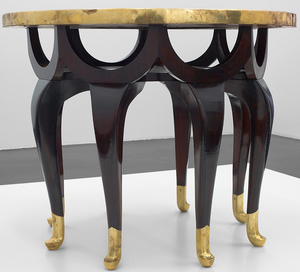 """Adolph Loos / Max Schmidt – """"Elefantenrüsseltisch (Elephant trunk table)"""", approx. 1910 mahagony, brass, tiles 65 cm x ø 81,5 cm"""