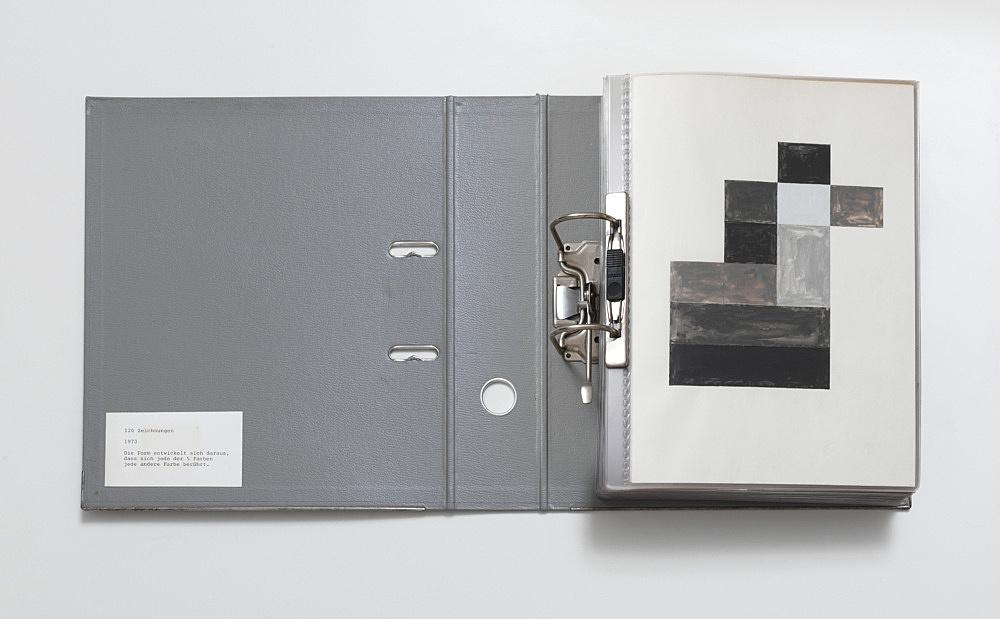 """Isa Genzken – """"Die Form entwickelt sich daraus, dass jede der fünf Farben jede andere Farbe berührt"""", 1973 gouache on paper 120 parts, each 29,7 x 21 cm, in office folder"""