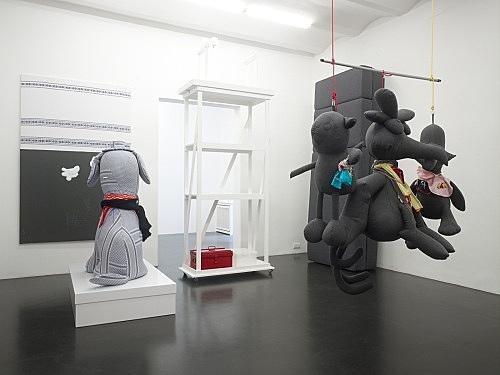 """Cosima von Bonin – """"if? if?"""" installation view Galerie Daniel Buchholz, Köln 2008"""