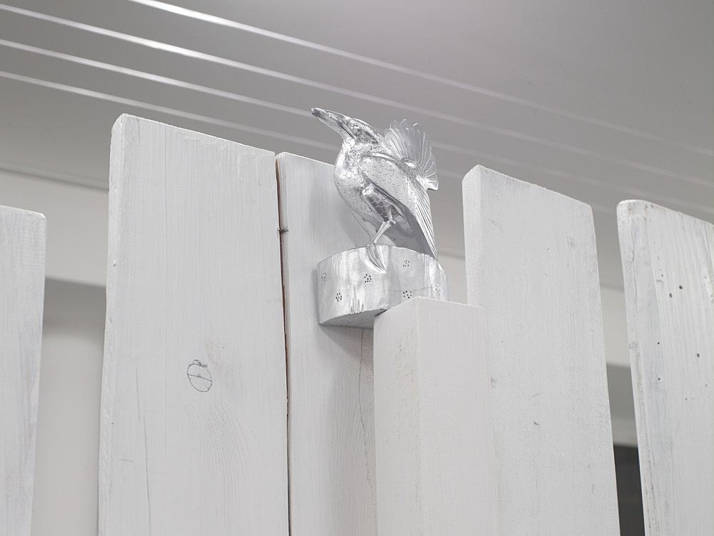 "Cosima von Bonin – ""SIGHTS TRAPPED BY LIARS"", 2008 wood, lacquer, screws 209 x 674 x 185 cm"
