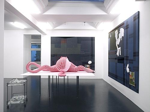 "Cosima von Bonin – ""LE PRIMITIF DU FUTUR"", 2008 cotton, wood, metal, glass approx. 145 x 270 x 320 cm installation view Galerie Daniel Buchholz, Köln 2008"