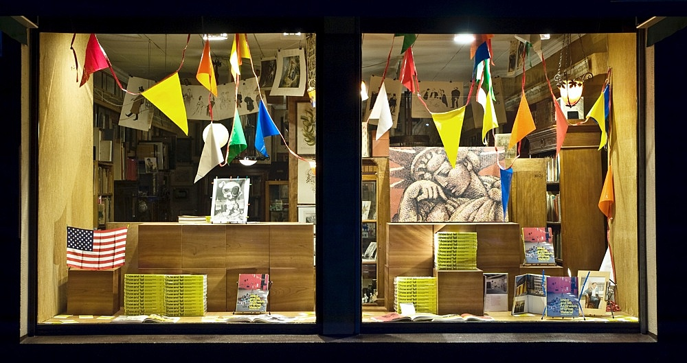 """""""Show and Tell: A Chronicle of Group Material"""" – edited by Julie Ault window display in collaboration with Julie Ault and Danh Vo Antiquariat Buchholz, Köln 2010"""