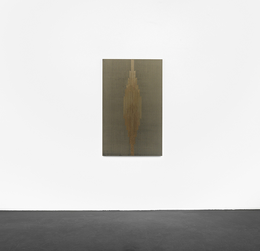 "R.H. Quaytman – ""Cherchez Holopherne, Chapter 21"", 2011 oil, silkscreen ink, gesso on wood 133 x 82.2 cm installation view Galerie Buchholz, Köln 2011"