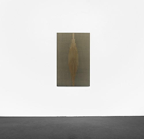"R.H. Quaytman – ""Cherchez Holopherne, Chapter 21"", 2011 oil, silkscreen ink, gesso on wood 133 x 82.2 cm installation view Galerie Buchholz, Köln 2011"