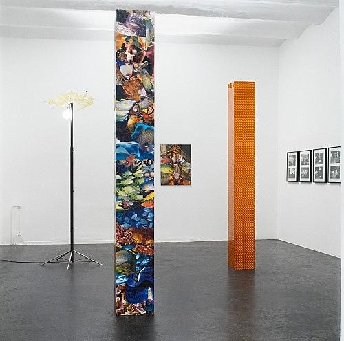 Isa Genzken – installation view Galerie Buchholz, Köln 2001