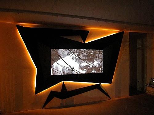 """Julian Göthe – """"Kontakt"""" installation view Galerie Meerrettich im Glaspavillon an der Volksbühne Rosa-Luxemburg-Platz, Berlin 2005"""