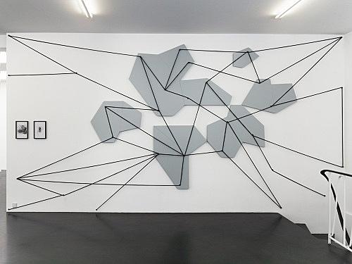 "Julian Göthe – ""Lonesome Echo I"", 2011 MDF, lacquer, rope, metal 315 x 620 cm installation view Galerie Buchholz, Köln 2011"