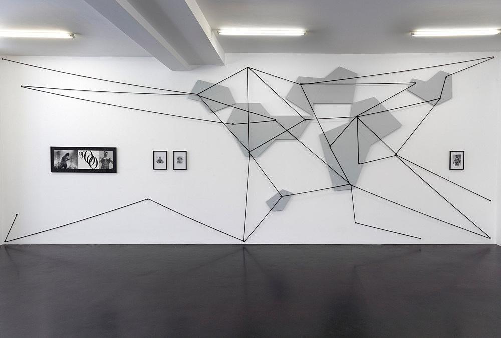 "Julian Göthe – ""Lonesome Echo II"", 2011 MDF, lacquer, rope, metal 315 x 812 cm installation view Galerie Buchholz, Köln 2011"