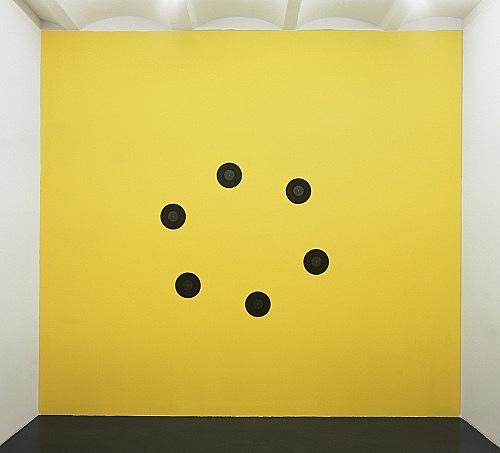 "Jack Goldstein – ""The Planets"", 1984 6 records, black vinyl with black labels ø 25 cm installation view Galerie Daniel Buchholz, Köln 2004"