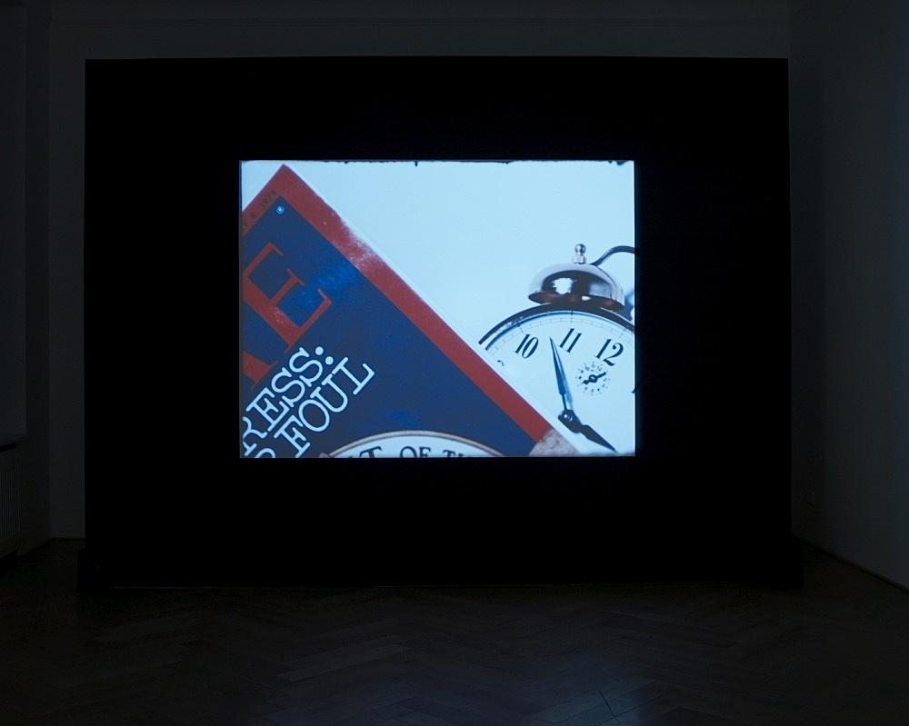 "Jack Goldstein – ""Time"", 1973 16mm colour, sound 2'42"" installation view Galerie Daniel Buchholz, Berlin 2009"