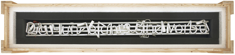 "Michael Krebber – ""Die Hundejahre sind vorbei (Broken Neon III)"", 2010 neon on metal construction, fractured, in padded wooden box with lid, foamed material, coaster, ball pen 32 x 164 x 34 cm"