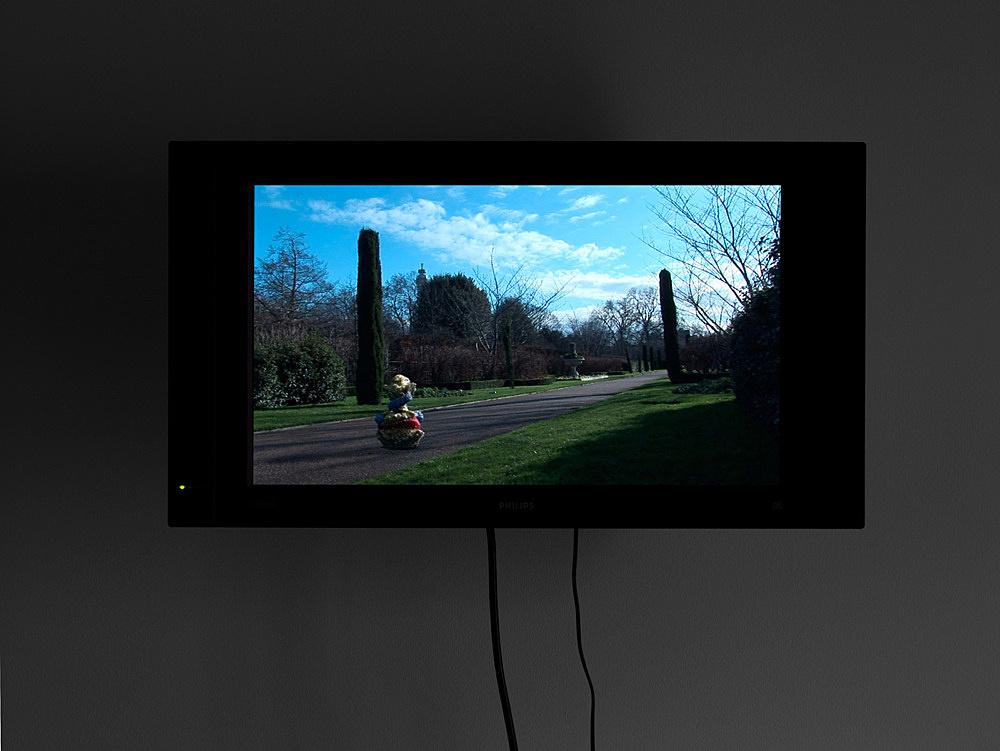 "Mark Leckey – ""This Thing In Regent's Park"", 2007 DVD, 8'47"" installation view Galerie Daniel Buchholz, Köln 2007"