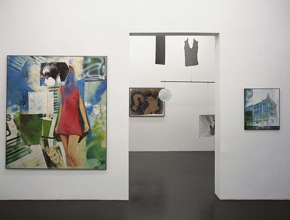 "Paulina Olowska – ""Metaloplastyka"" installation view Galerie Daniel Buchholz, Köln 2005"
