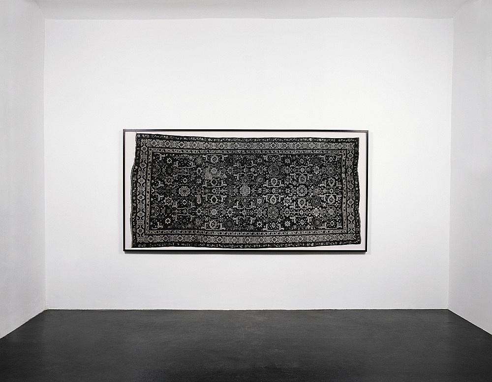 "Jeroen de Rijke/Willem de Rooij – ""Caucasian Rug, Shirwan, Baku 1880"", 2002 c-print, framed 163 x 328 cm installation view Galerie Daniel Buchholz, Köln 2002"