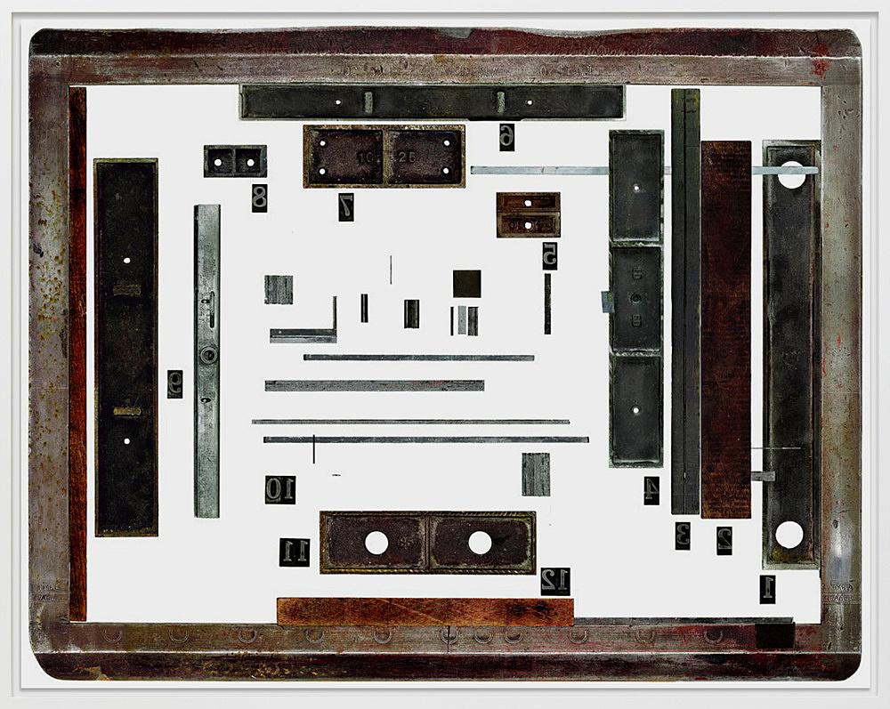 """Sam Lewitt – """"Paper Citizen 01-12"""", 2011 chromogenic print mounted on aluminum 126.3 x 161 cm"""