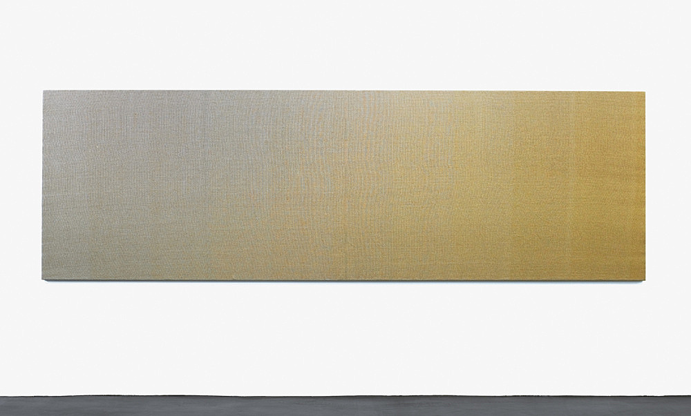 "Willem de Rooij – ""Vertigo's Doll"", 2010 tapestry, unbleached linen warp, using 10 different fills, each fill a different mixture of silver- and gold coloured metal threads, on wooden stretcher 135 x 430 x 5 cm"