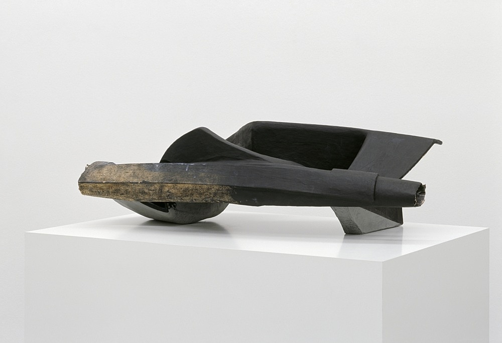 Vincent Fecteau – Untitled, 2006 paper maché 39 x 57 x 58 cm