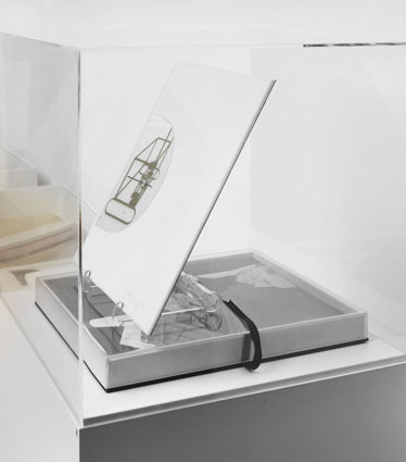 "Marcel Duchamp – ""a l'infinitif. the typosophic society. in the infinitive"", 1966 perspex, plastic 33,2 x 28,5 x 4 cm"