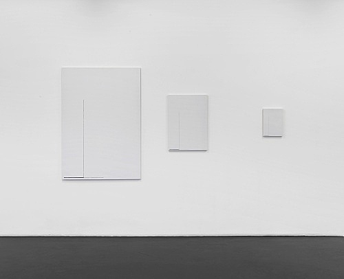 "Florian Pumhösl – ""Cliché 15"", 2012 3 parts, stamping with oil paint on ceramic plaster 146,5 x 102,5 x 2 cm 73,4 x 51,4 x 2 cm 36,6 x 25,6 x 2 cm installation view Galerie Buchholz, Köln 2013"