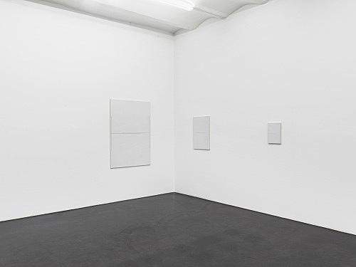 "Florian Pumhösl – ""Cliché 11"", 2012 3 parts, stamping with oil paint on ceramic plaster 146,5 x 102,5 x 2 cm 73,4 x 51,4 x 2 cm 36,6 x 25,6 x 2 cm installation view Galerie Buchholz, Köln 2013"
