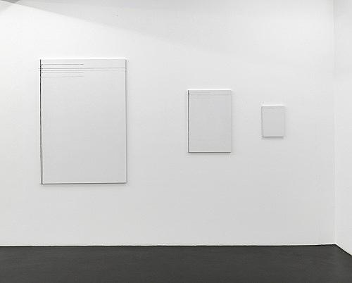 "Florian Pumhösl – ""Cliché 14"", 2012 3 parts, stamping with oil paint on ceramic plaster 146,5 x 102,5 x 2 cm 73,4 x 51,4 x 2 cm 36,6 x 25,6 x 2 cm installation view Galerie Buchholz, Köln 2013"