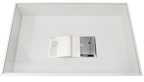 """Martin Barré – Vitrine: """"Martin Barré - Verticales"""", in: Umwelt-Akzente. Die Expansion der Kunst, exh. cat., Kunstkreis Monschau, Monschau Juni 1970"""