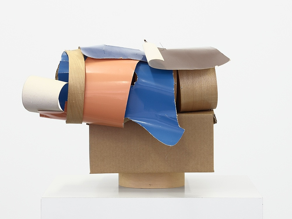 Christophe Verfaille – Untitled, o.J. paper, cardboard, wood and metal 35 x 32 x 24,5 cm
