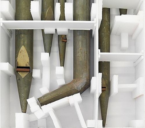"Lutz Bacher – ""Organ Pipes"", 2014 tin, foam, foam core part 1: 27 x 270 x 102 cm part 2: 15.5 x 270 x 101 cm detail"