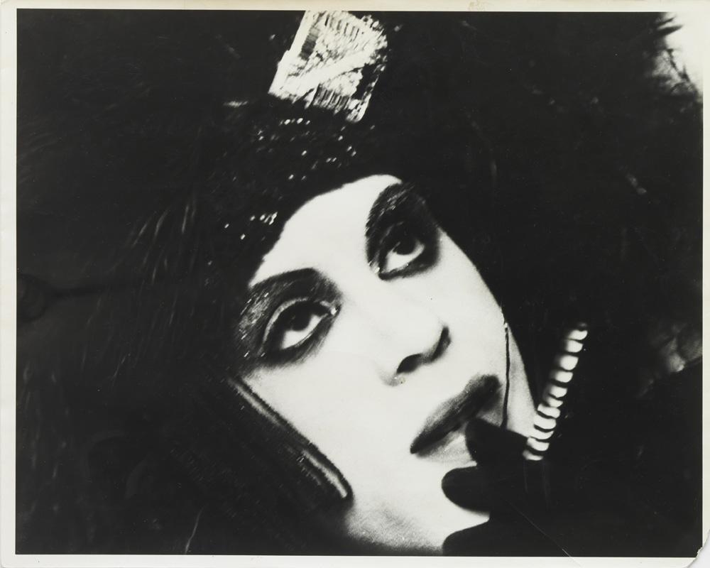 Jack Smith – Untitled, c. 1964 b/w photograph 19 x 24 cm