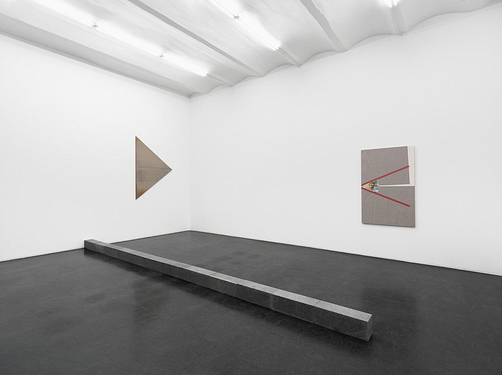 """Carl Andre, Liz Deschenes, R. H. Quaytman – """"Ma-re Mount"""" installation view Galerie Buchholz, Köln 2014"""