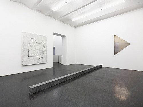 "Richard Prince, Carl Andre, Liz Deschenes – ""Ma-re Mount"" installation view Galerie Buchholz, Köln 2014"