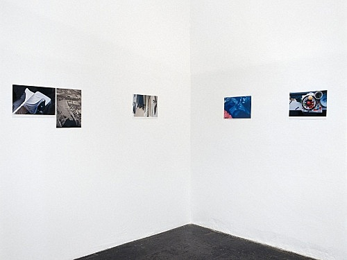 "Wolfgang Tillmans – ""Faltenwürfe"" installation view Galerie Daniel Buchholz, Köln 1996"